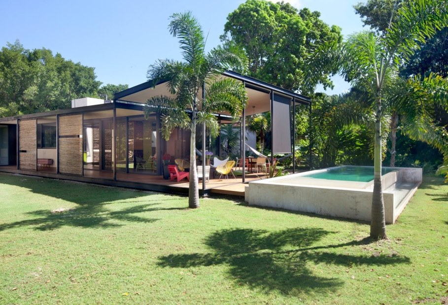 Energy-Saving Itzimna House in Mexico - Swimming pool