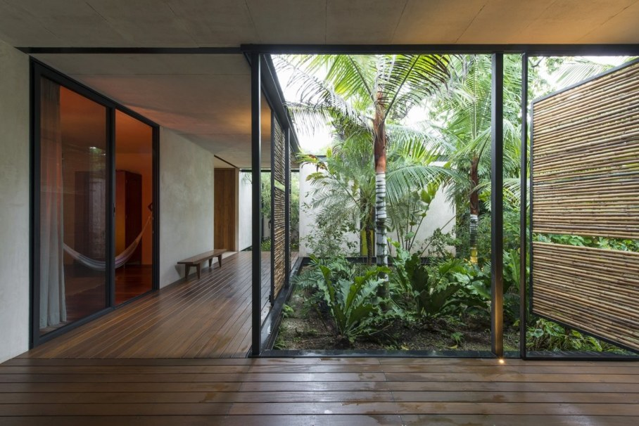 Energy-Saving Itzimna House in Mexico - place to relax