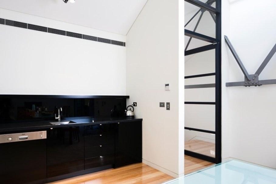 Grand loft house in Australia by Corben Architects studio - Bathroom 3