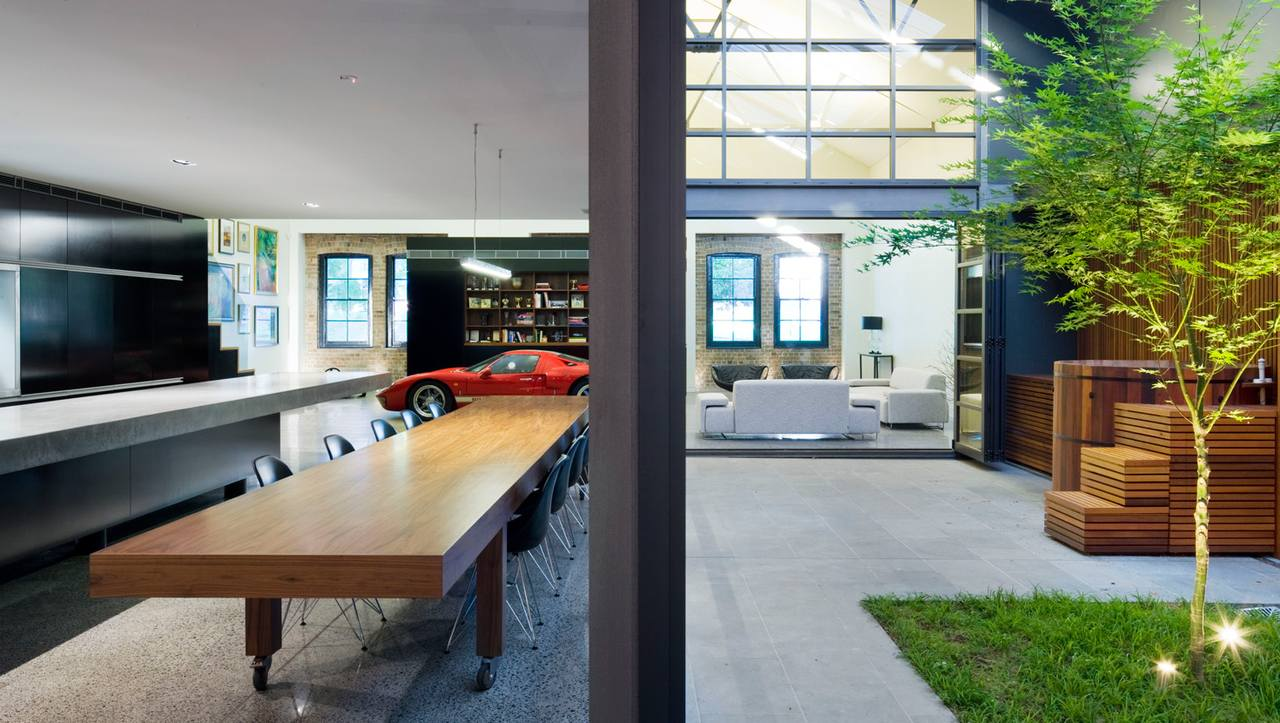 Australian «Corben Architects» studio converted a huge warehouse ...