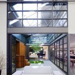 Australian «Corben Architects» studio converted a huge warehouse into the dwelling