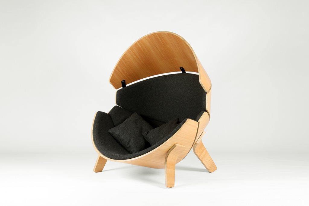 Wonderful Hideaway Children`s Chair