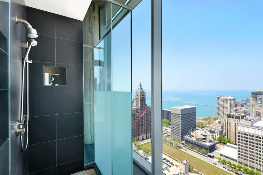 Penthouse Hi-Rise with panoramic view of Chicago - Bathroom 2