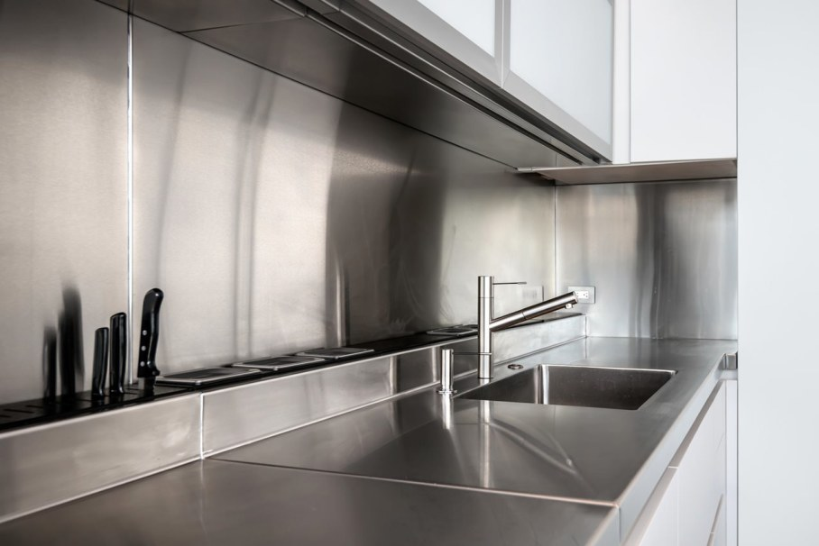 Penthouse Hi-Rise with panoramic view of Chicago - Kitchen design ideas