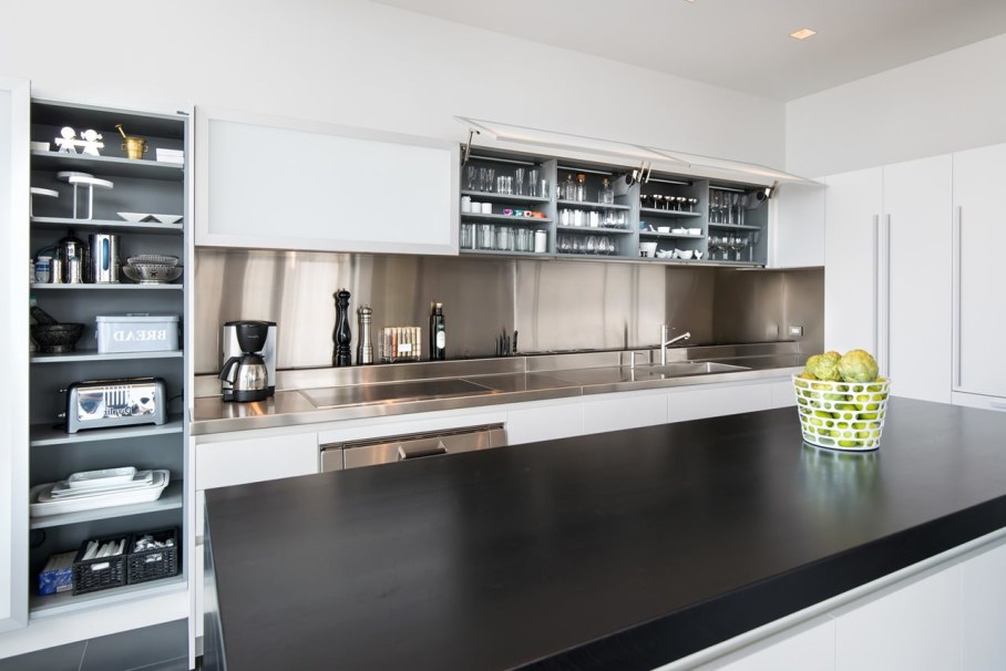 Penthouse Hi-Rise with panoramic view of Chicago - Kitchen island