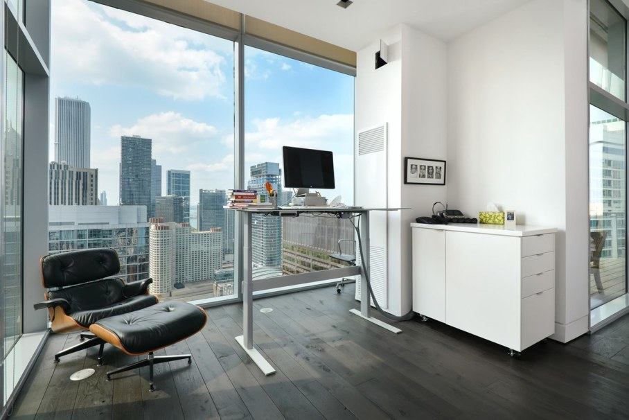 Penthouse Hi-Rise with panoramic view of Chicago - Workplace