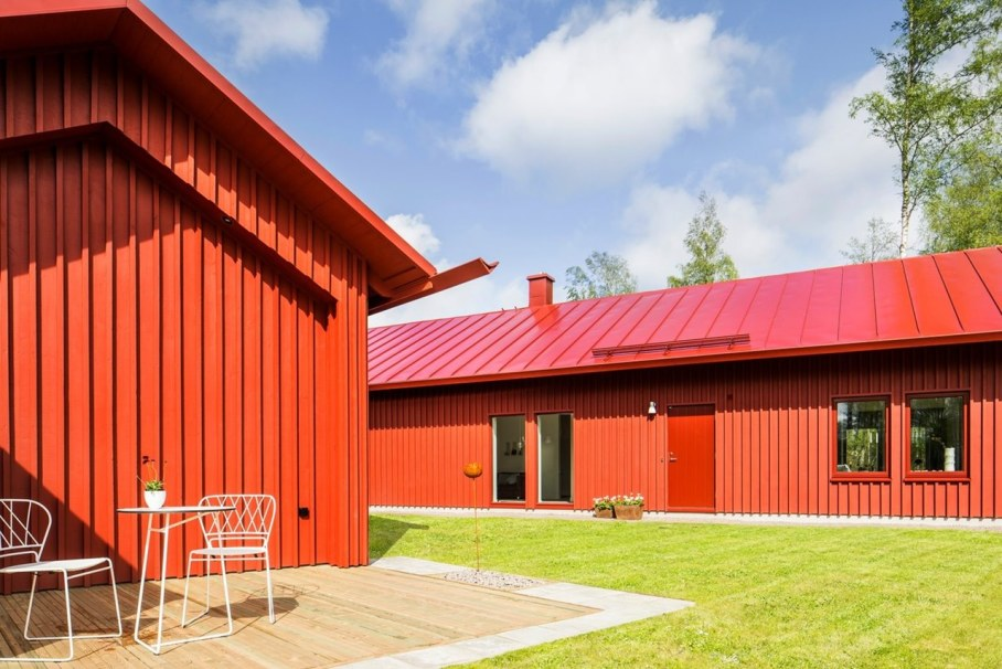 Red House in Swedish style by Thomas Sandell - Exterior 3