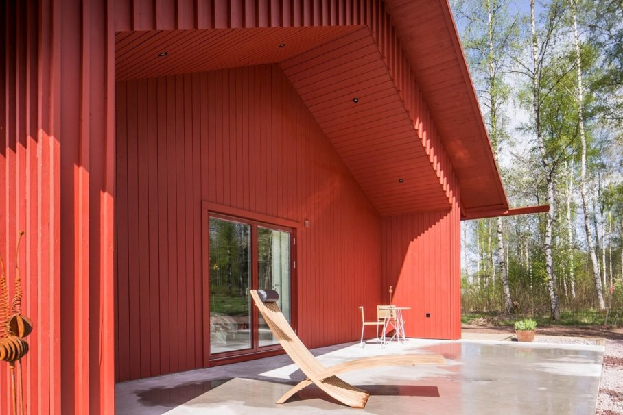 Red House in Swedish style by Thomas Sandell - Exterior 4