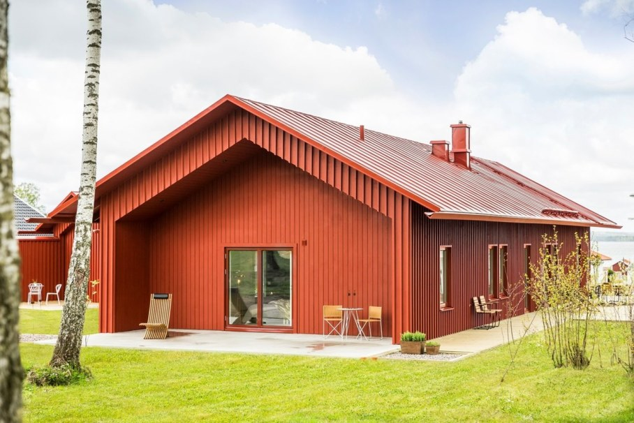 Red House in Swedish style by Thomas Sandell - Exterior 5