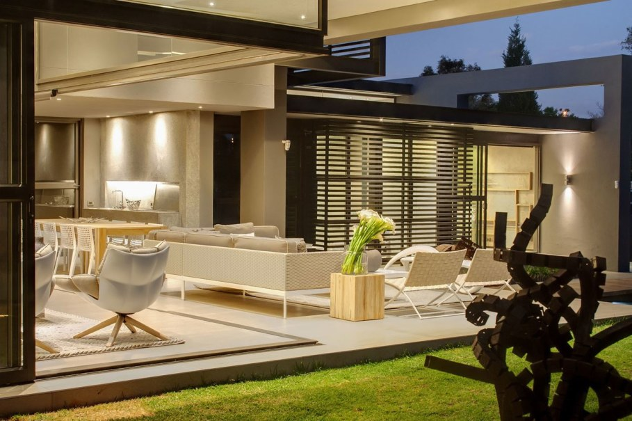 Sar - the luxurious, comfortable and functional private house - Chic green garden