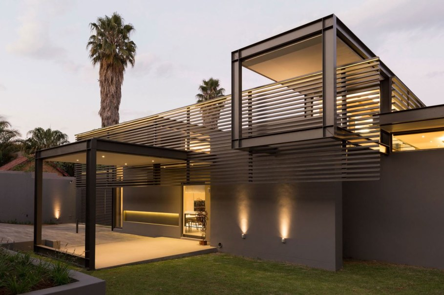 Sar - the luxurious, comfortable and functional private house - Modern building