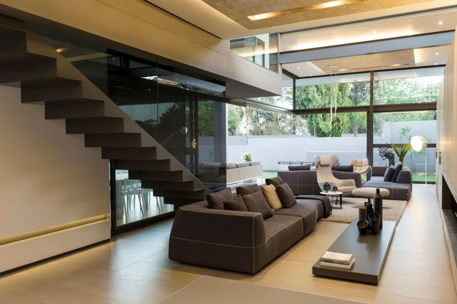 Sar - the luxurious, comfortable and functional private house - living room and staircase