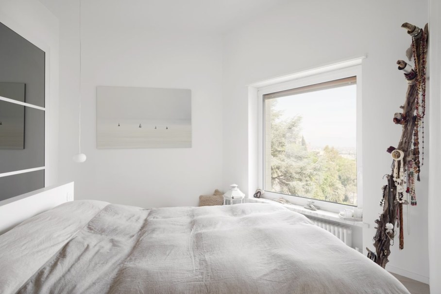 Shining apartment in Genoa - Large bed