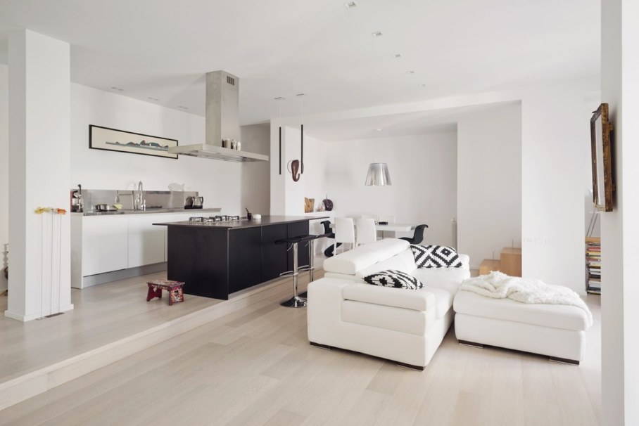 Shining apartment in Genoa - Living room and kitchen