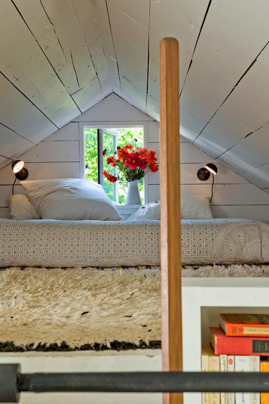 The Cozy Country House For A Designer`s Family - Large bed