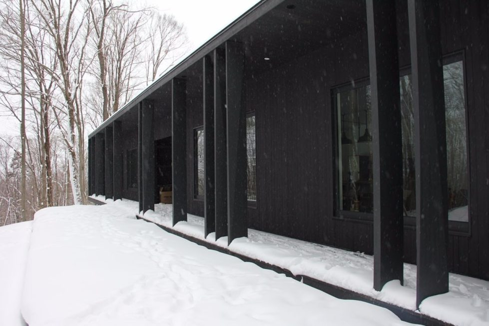 The Forestier chalet in the Canadian woods - Facade