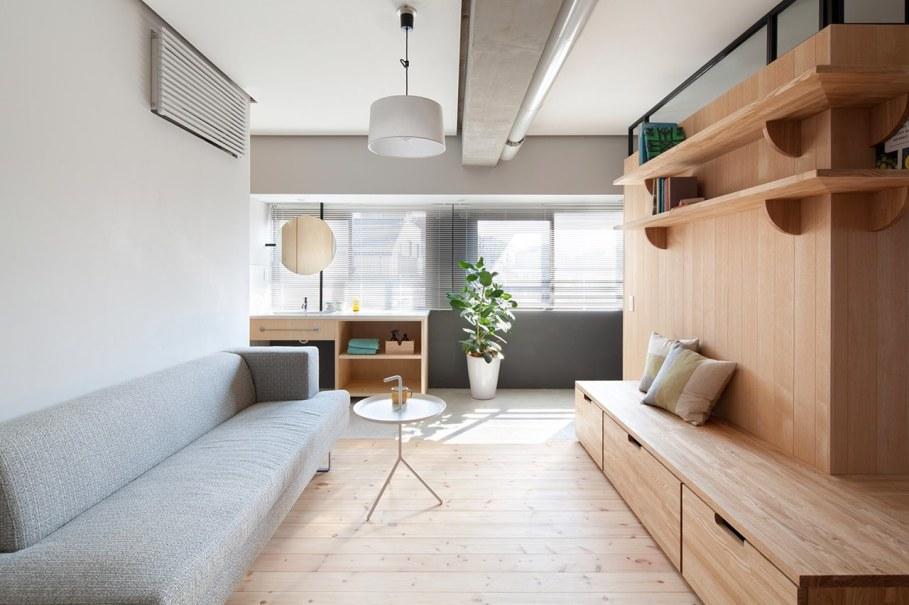 The apartment renovation from a Sinato studio in Yokohama - Living room