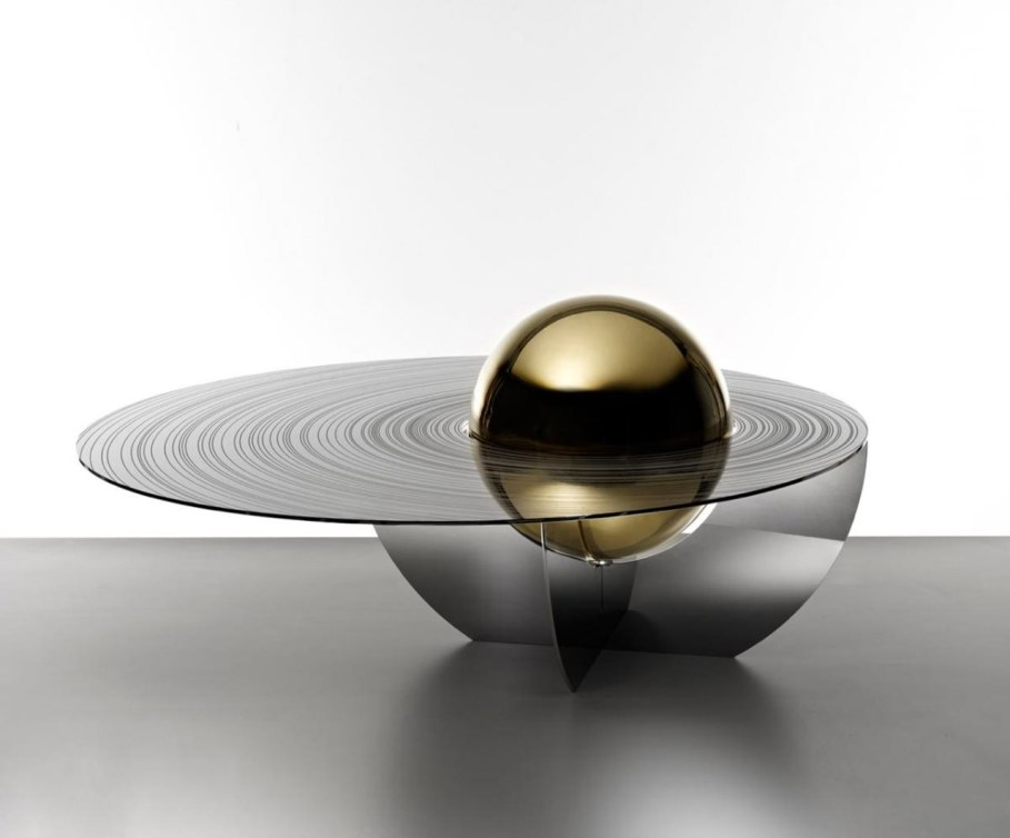 The cosmic design of the Boullee coffee table - Gold color