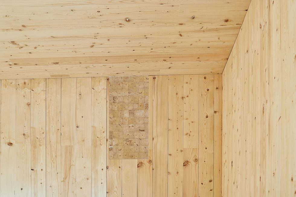 The new house on the site of an old cottage in Canada - walls made of natural wood