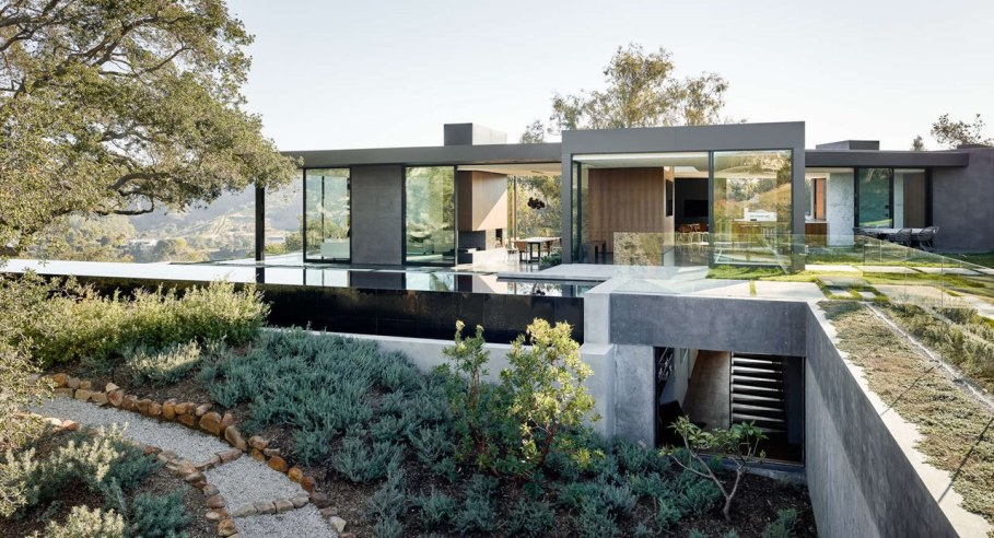 The private house Oak Pass in California by Walker Workshop 2