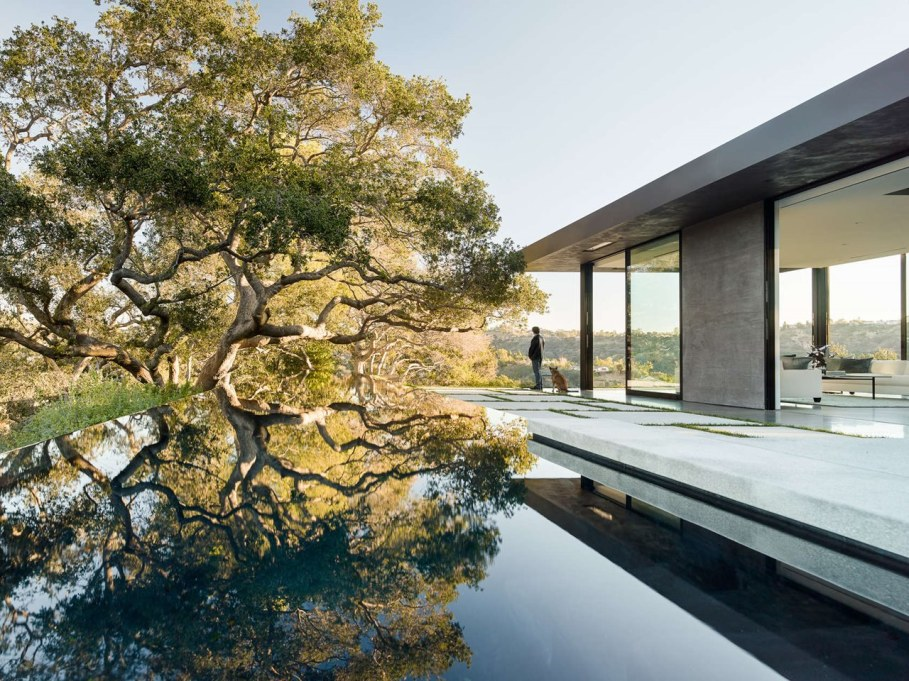 The private house Oak Pass in California by Walker Workshop - Swimming pool