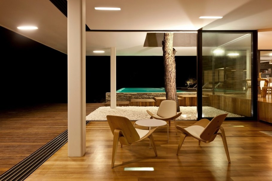 The shining Plane House residence on the Greek island - Place to relax