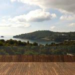 "The shining ""Plane House"" residence on the Greek island"