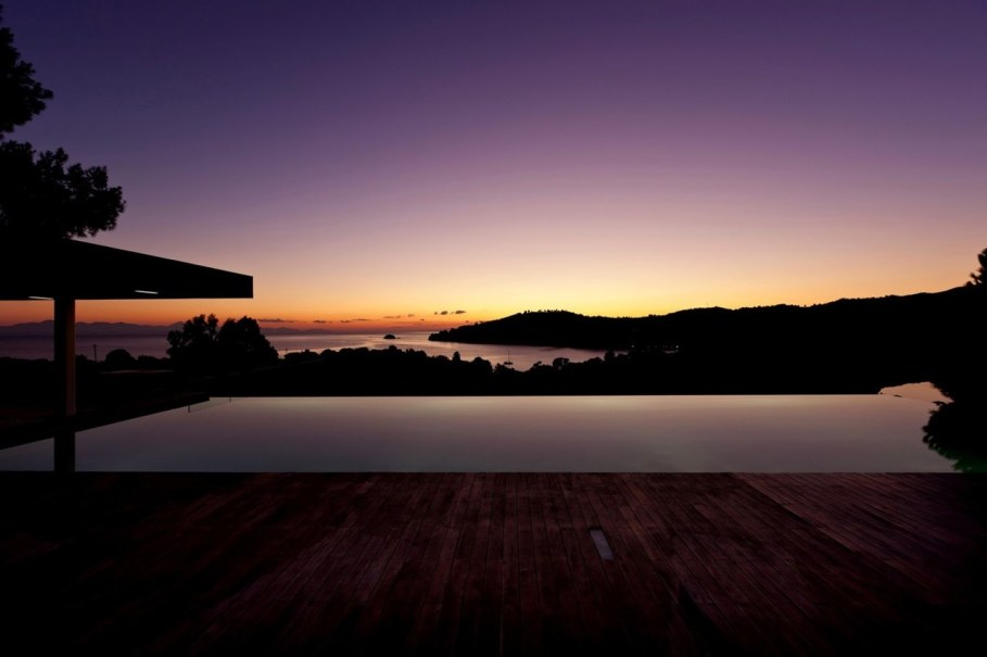 The shining Plane House residence on the Greek island - swimming pool 6