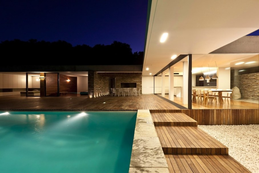 The shining Plane House residence on the Greek island - swimming pool and terrace