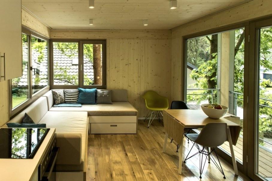 Urban Treehouse by Baumraum - living room