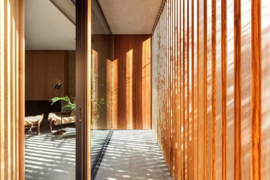 Woodwing villa in Greece - Large glass doors