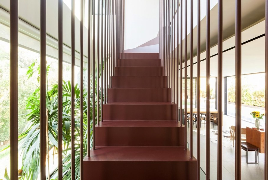 Woodwing villa in Greece - Staircase