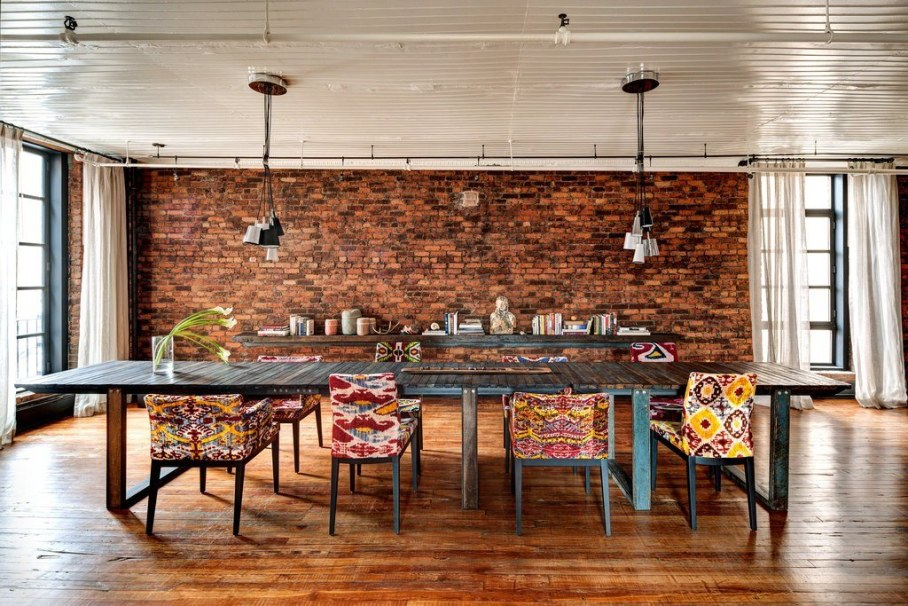 Loft from a former clothing factory in new york for Best dining rooms nyc