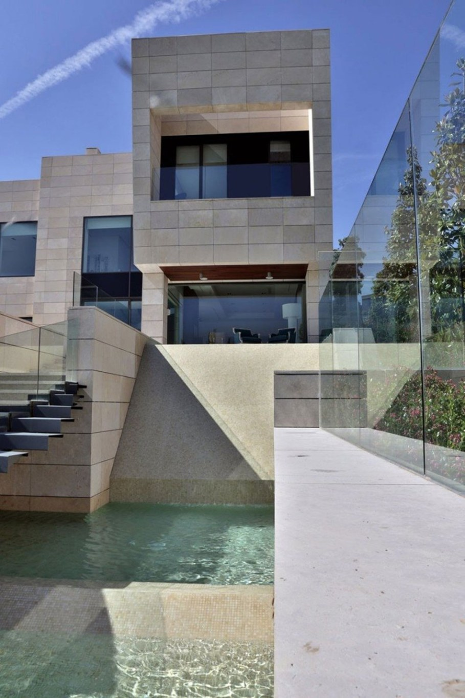 A modern villa in Spain - the main entrance 2