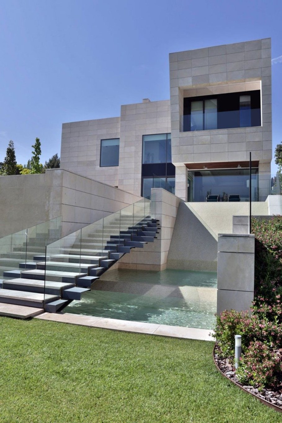 A modern villa in Spain - the main entrance