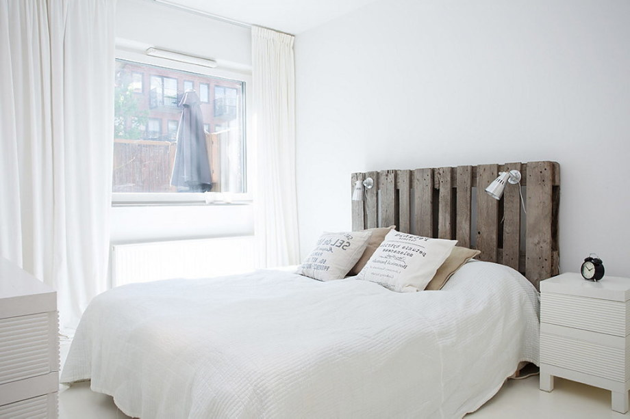 An apartment with the pallet decor in Stockholm 9