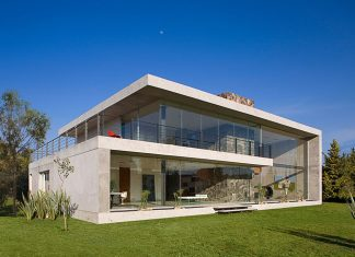 Bitar Arquitectos Studio: The House of Glass And Concrete In Mexico