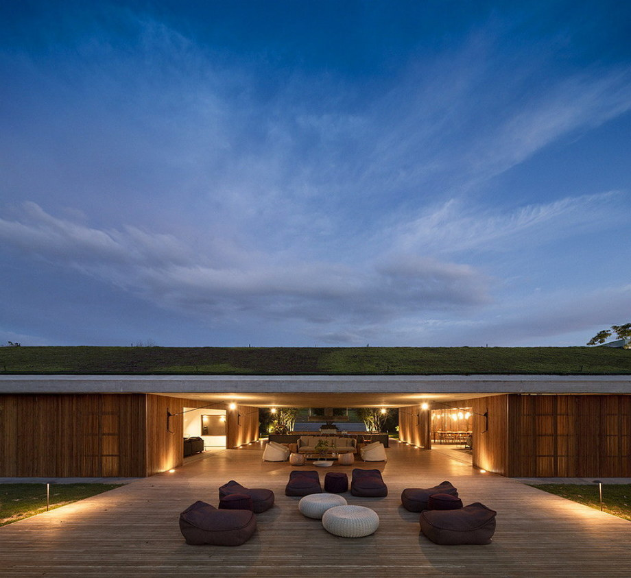 Casa MM house by architects from Studio MK27 in Brazil 10