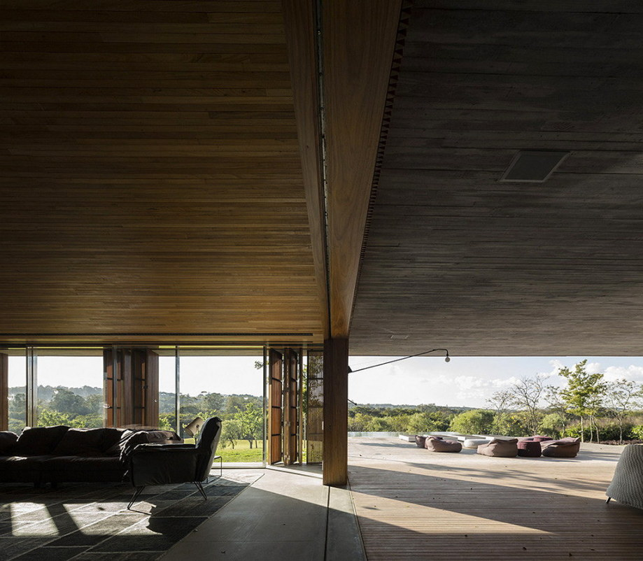 Casa MM house by architects from Studio MK27 in Brazil 25