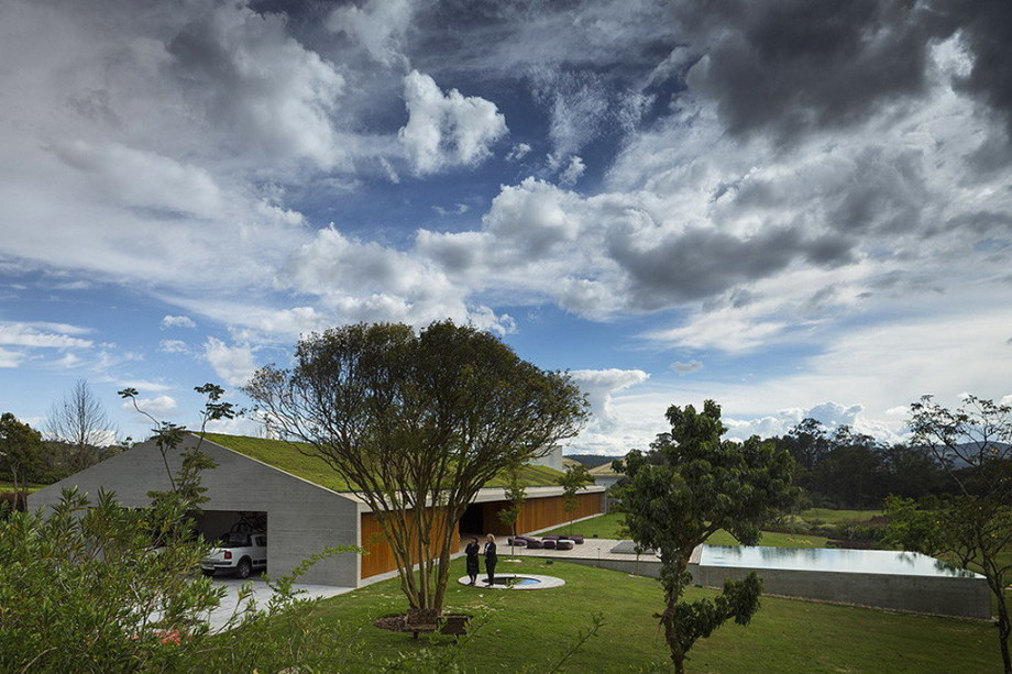 Casa MM house by architects from Studio MK27 in Brazil 28