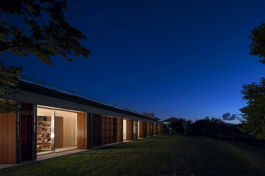 Casa MM house by architects from Studio MK27 in Brazil 3