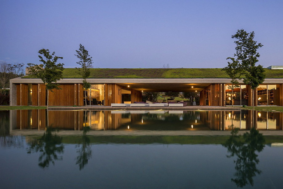 Casa MM house by architects from Studio MK27 in Brazil 30