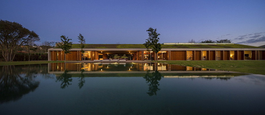 Casa MM house by architects from Studio MK27 in Brazil 32