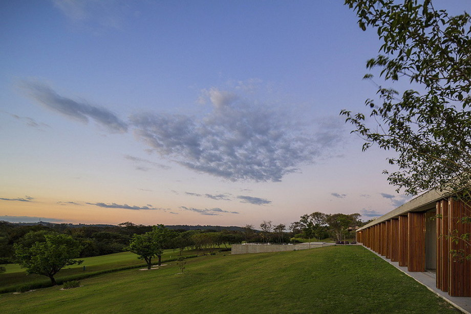 Casa MM house by architects from Studio MK27 in Brazil 34