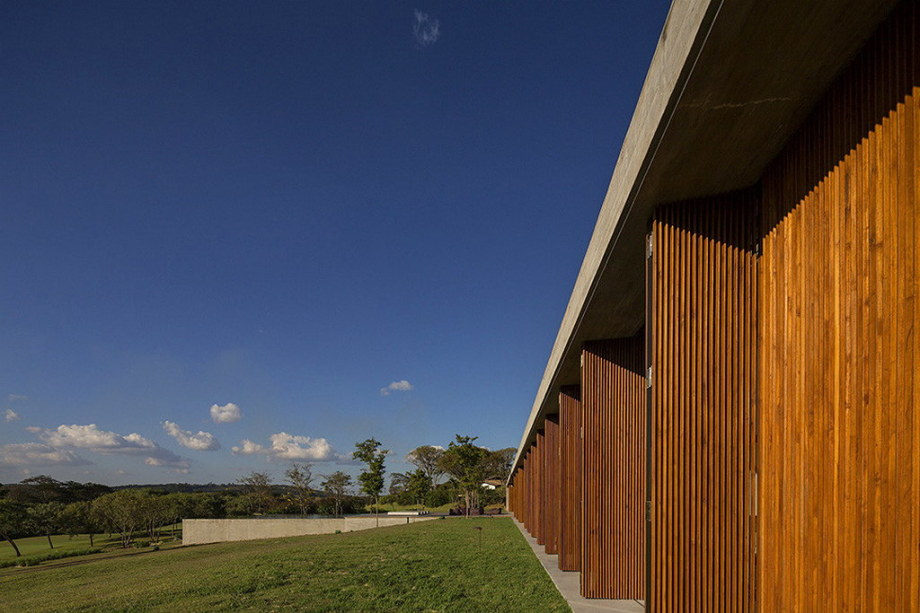 Casa MM house by architects from Studio MK27 in Brazil 35