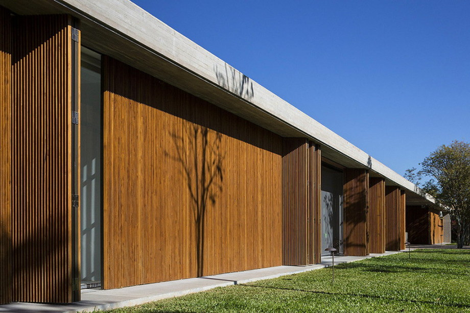 Casa MM house by architects from Studio MK27 in Brazil 43