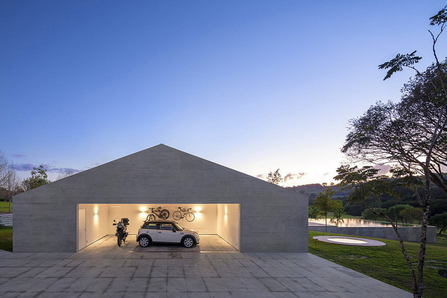 Casa MM house by architects from Studio MK27 in Brazil 49