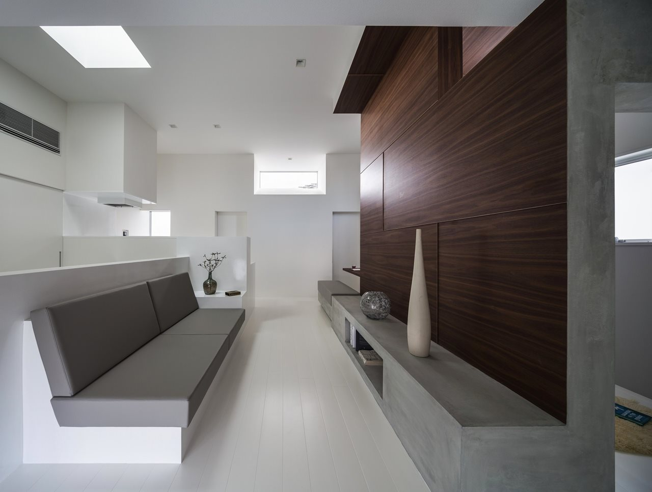 Compact house in japan for Www home interior