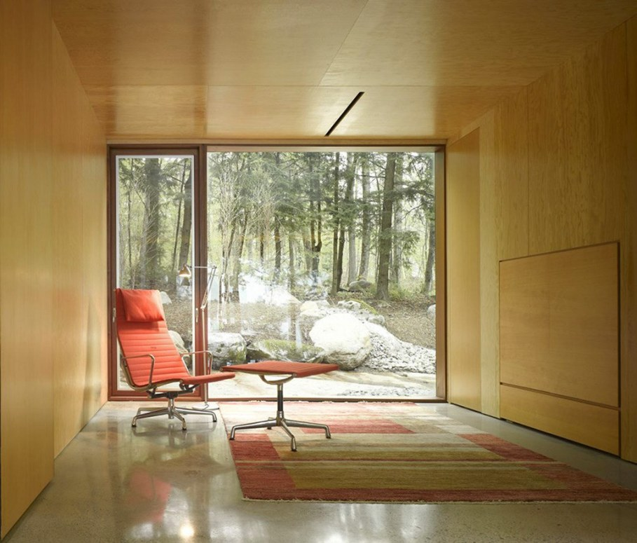 Country House For Rest On The Shore Of A Mountain Lake 8