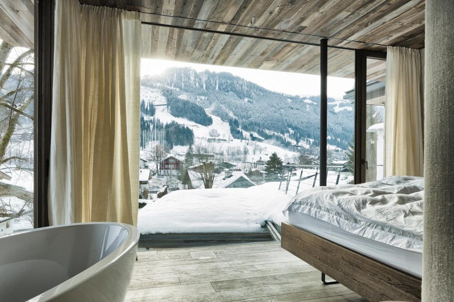 Country-house Austrian chalet with amazing interior made of concrete, wood and glass - Bedroom